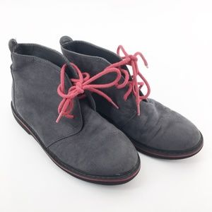 COLE HAAN Gray Suede Carlton Boots Boys Size 13